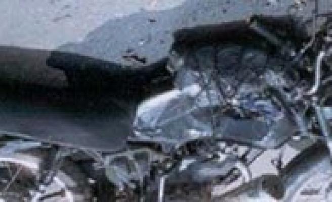 Park Halindeki Araca Çarpan Motosiklet Sürücüsü Öldü