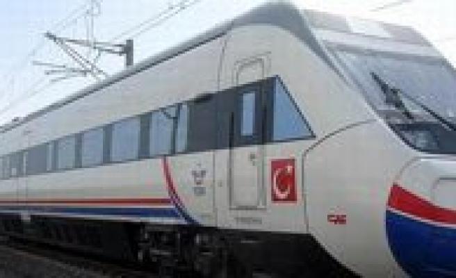 YHT`ler Ankara Gari`na Geri Dönüyor