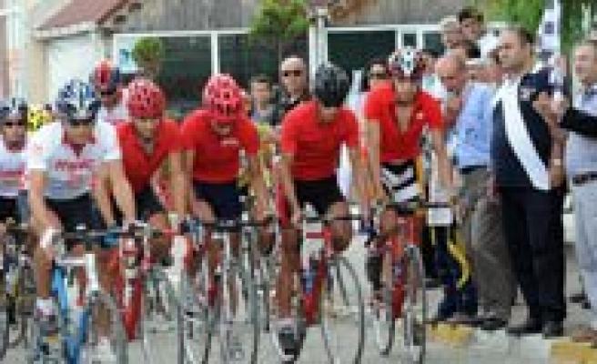 Belediye Spor Bisiklet Takimi Kastamonu'da Yarisiyor