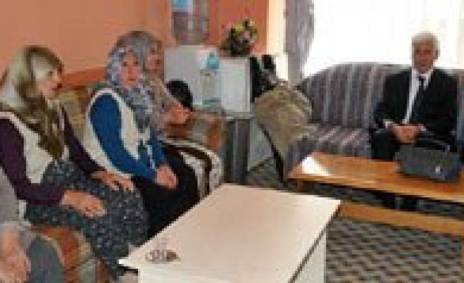 Vali Koca Sehit Aileleri Ve Gaziler Dernegini Ziyaret Etti