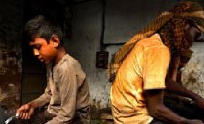 Okul Saatinde Çocuk Çalistiran Patronlara Büyük Ceza Geliyor!