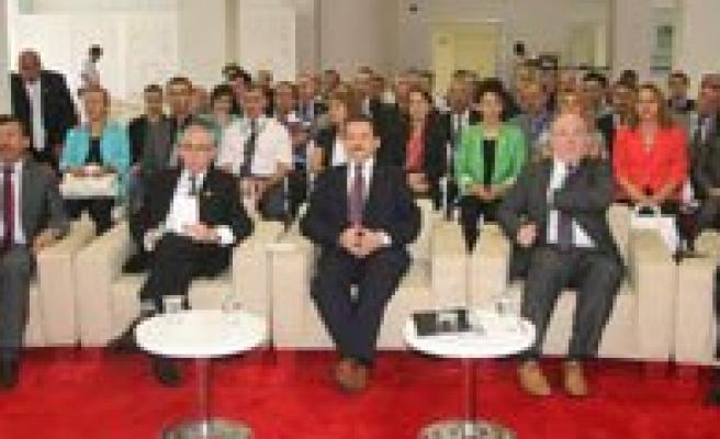 Basin Ilan Kurumu Genel Müdürü Mehmet Atalay: `Gazeteler Santaj Haberlerle Ilan Alacaklarini Düsünüyorlarsa Yaniliyorlar`