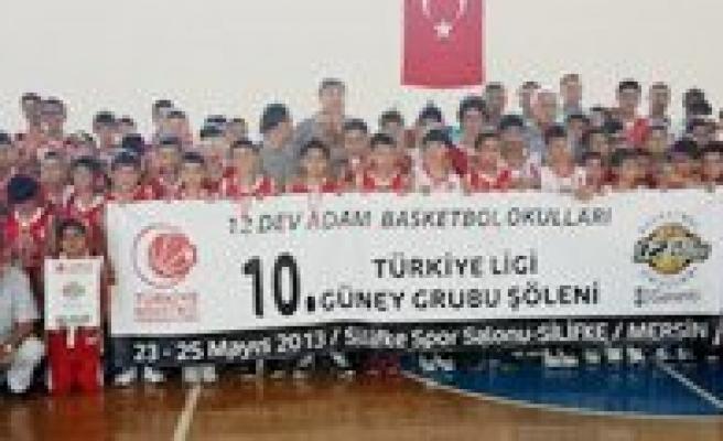 12 Dev Adam Basketbol Okulu Türkiye Finallerine 4 Oyuncu Gönderiyor