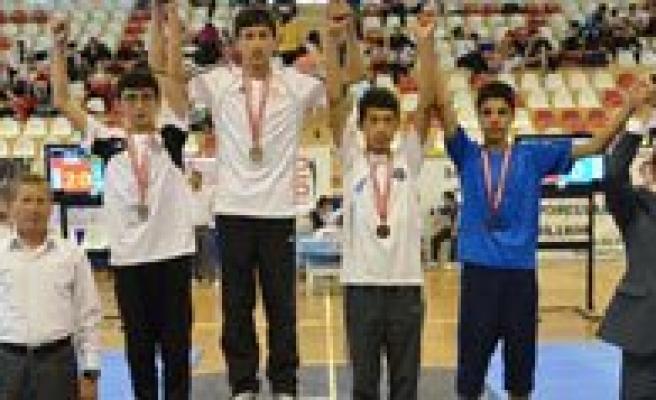 Taekwondocular Denizli'den Madalyalarla Döndü