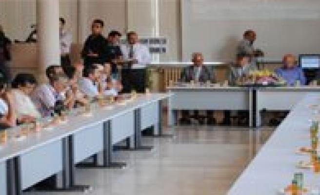 Borsada Yilin Ilk Mahsulü 5.5 Liradan Satildi