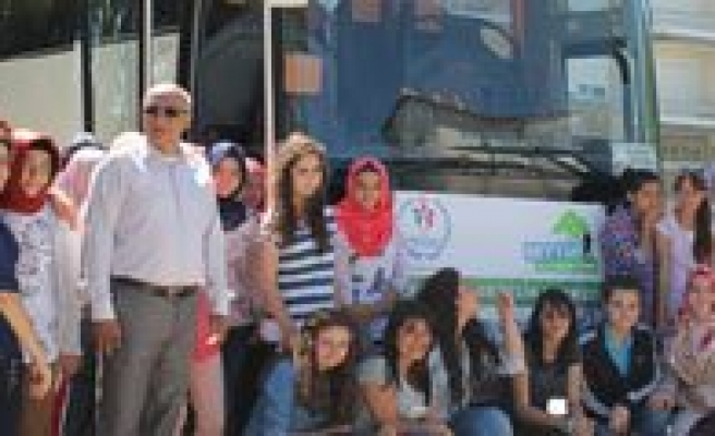 Genç Seyyahlar Gaziantep'e Ugurlandi