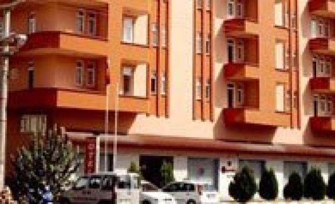 Bayrakçi Otel Açik Büfe Iftar Sofrasina Karamanlilari Bekliyor