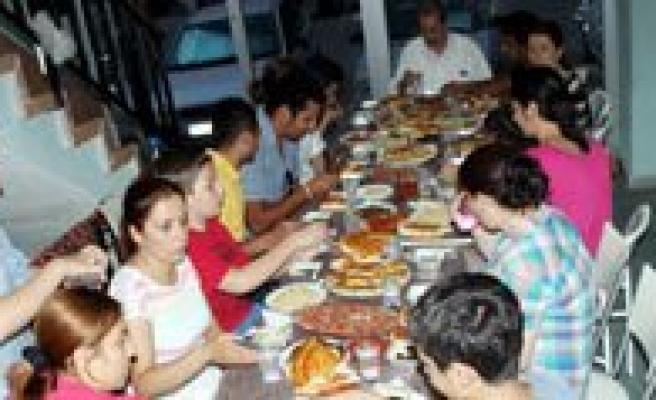 KGRT'De Iftar Vakti