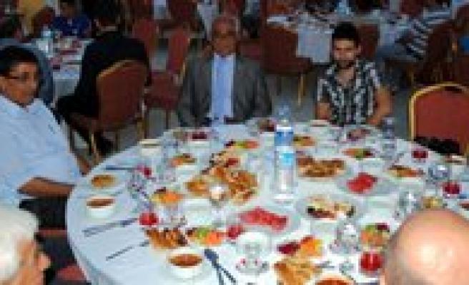 Borsadan Üyelerine Iftar