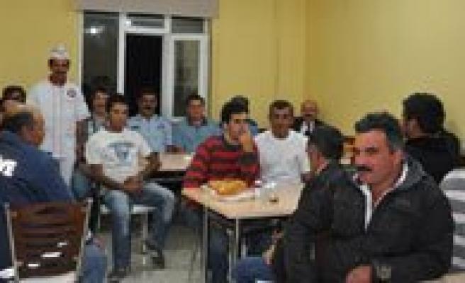 Samur'dan Belediye Personeline Iftar Yemegi