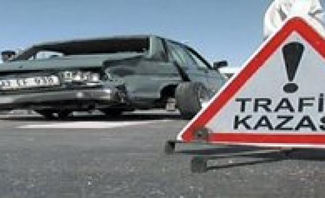 Karaman'da Trafik Kazasi: 4 Yarali