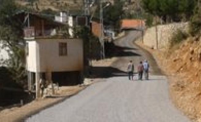 Çukurbag ve Esentepe Mahallelerinde Asfalt Çalismalarina Baslandi