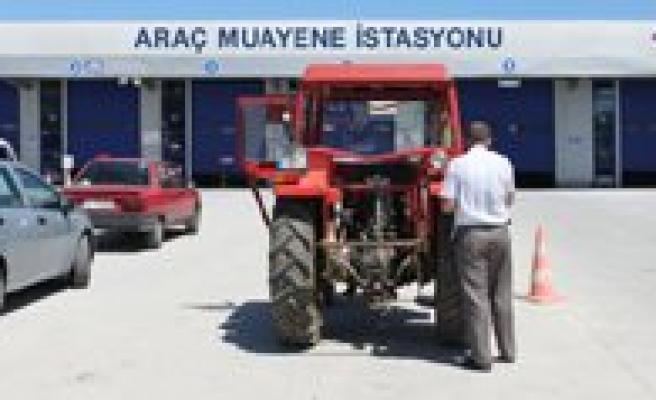 Karaman'da Her 5 Traktörden 3'ü Muayenesiz