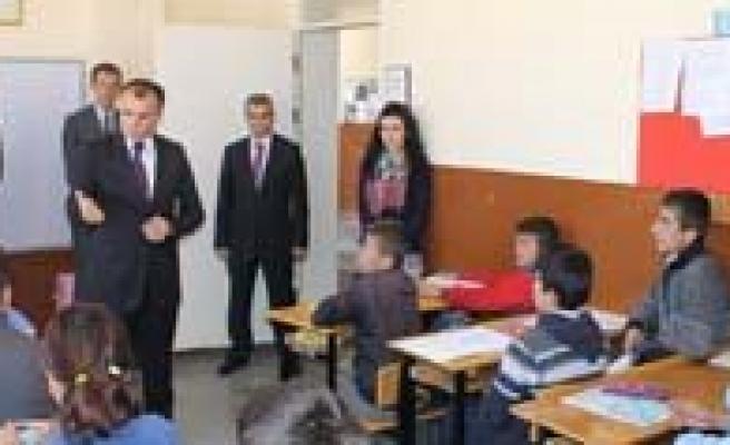 Ilçe Milli Egitim Müdürler Toplantisi Ayranci'da Yapildi