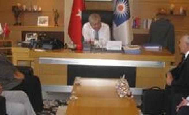 Antalya Büyüksehir Belediye Baskani Akaydin'i Ziyaret Ettiler