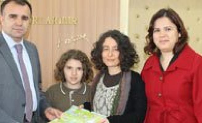 Türkiye Birincisi Elif Kurt, Sultanoglu´Nu Ziyaret Etti