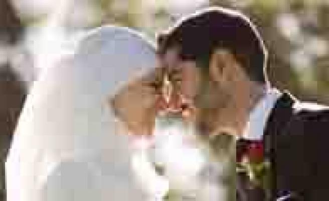 KMÜ'den Evlilik Okulu Egiticilerine Kurs