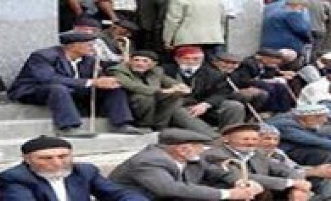 CHP, Emeklilerle Bulusuyor
