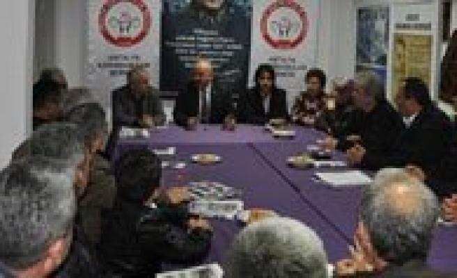 Belediye Baskani Samur'dan Antalya Karamanlilar Dernegine Ziyaret