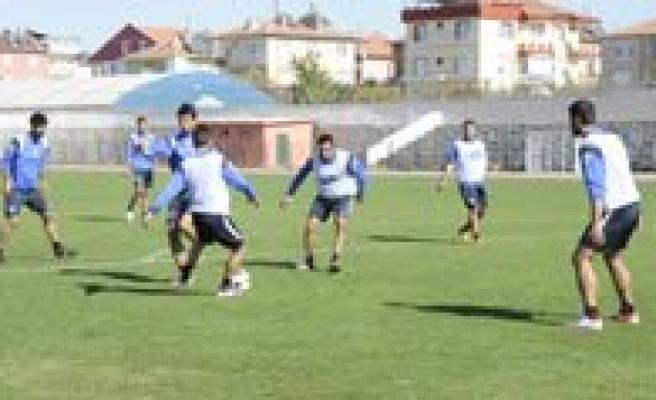 Karaman Belediye Spor 3 Puan Pesinde
