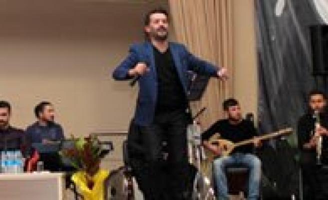 KMÜ'de Show Live Ile Müzik, Siir Ve Sohbet Bir Arada