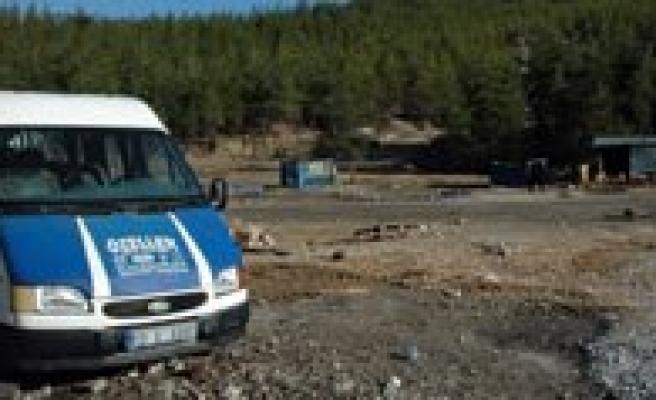 Madencileri Ocaga Getiren Minibüs Terk Edilmis Halde Duruyor