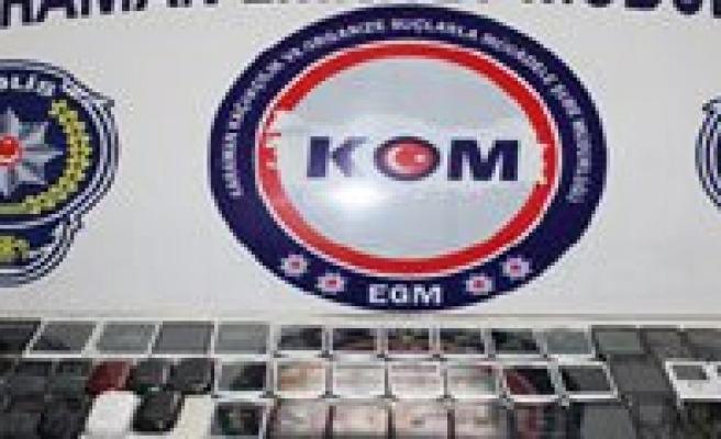 Karaman'da Gümrük Kaçagi 103 Cep Telefonu Ele Geçirildi