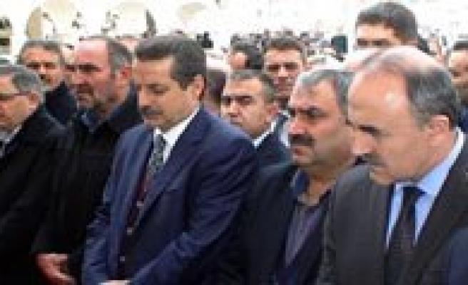 Vali Koca Bakan Çelik`le  Konya'da Cenazeye Katildi