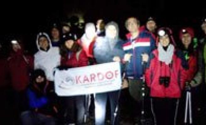 KARDOF Üyeleri Gökçe Çamligi'nda Gece Yürüdüler
