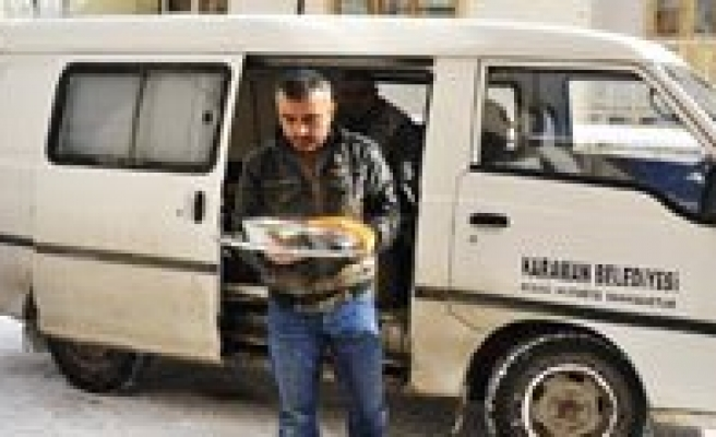 Karaman Belediyesi Her Gün 150 Kisiye Sicak Yemek Veriyor