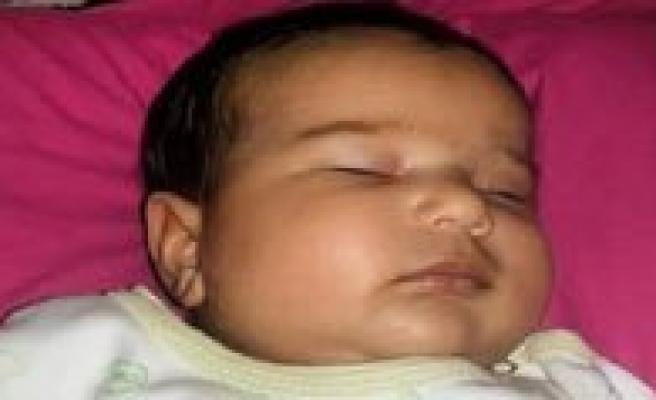 Sisirilen Plastik Eldiven Patlayinca 5 Aylik Bebek Öldü