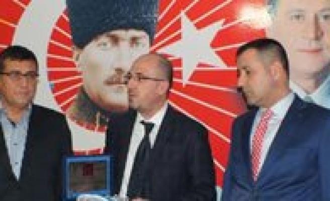 MHP'de Devir Teslim Yapildi