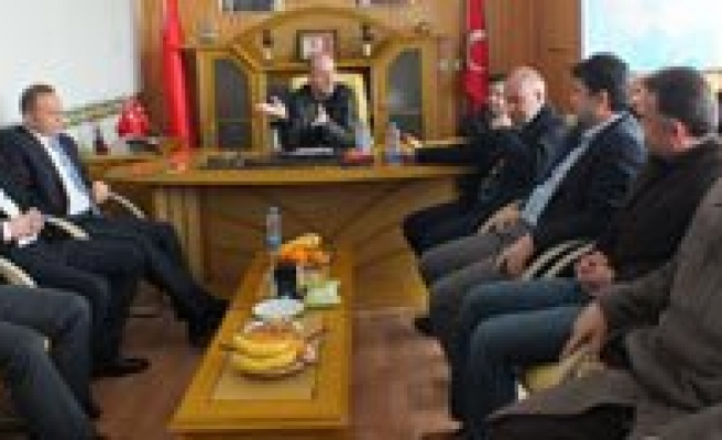 AK Parti'den MHP'ye Hayirli Olsun Ziyareti
