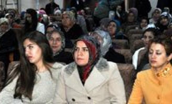 AK Parti Kadin Kollarina Göksoy Seçildi