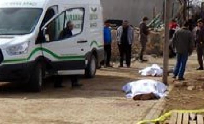 Köy Muhtari Ve Agabeyini Öldürdü