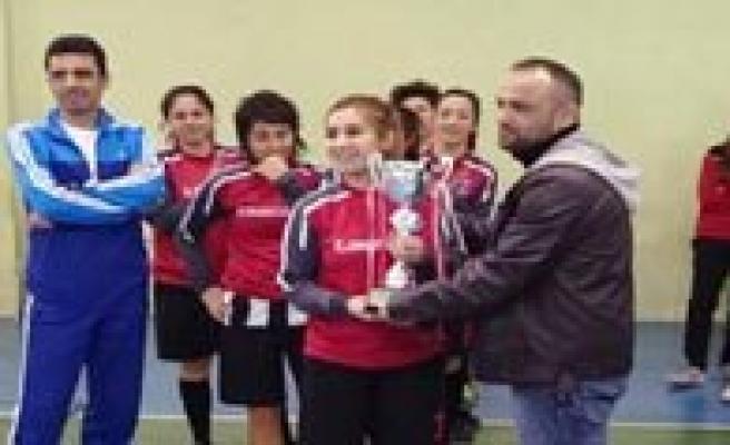 KMÜ Bayan Futsal Takimi 1.Lig'de
