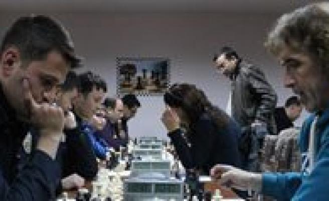 Karaman Valiligi Kurumlar Takim Satranç Turnuvasi Basladi