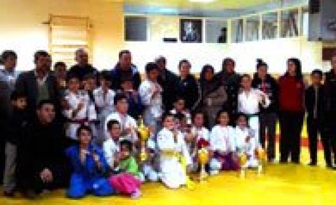Küçükler Judo'da Siyahser Farki