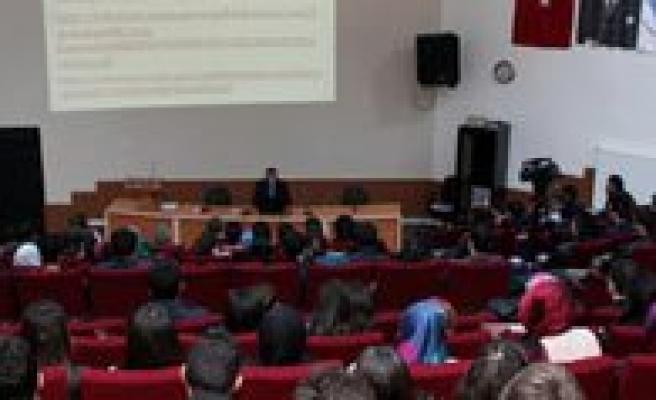 KMÜ'de Kazim Karabekir Kaymakami Mehmet Uslu Ile Söylesi