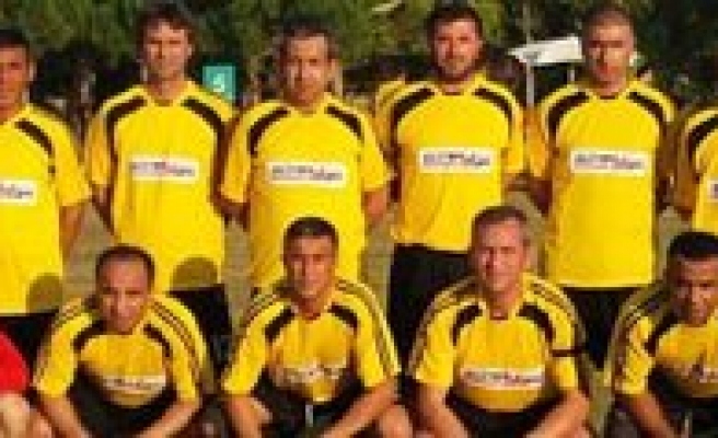 Veteranlar Futbol Takimi Antalya'da Ilimizi Temsil Edecek