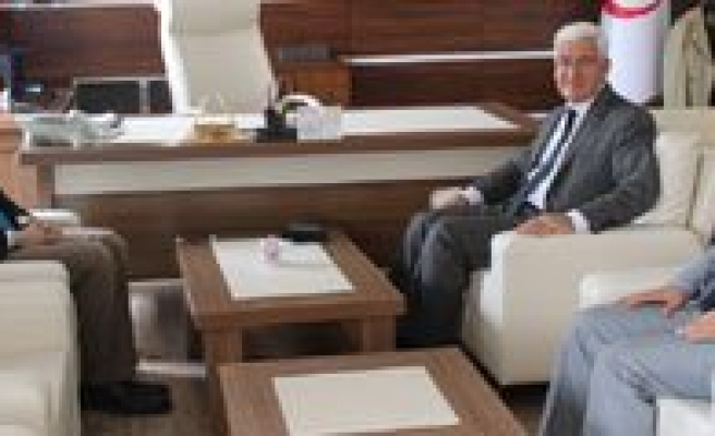 Vali Murat Koca'dan Erenoglu'na Ziyaret