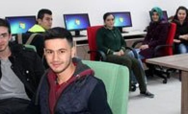 Bu Kursla Herkes Bilgisayar Kurdu Olacak
