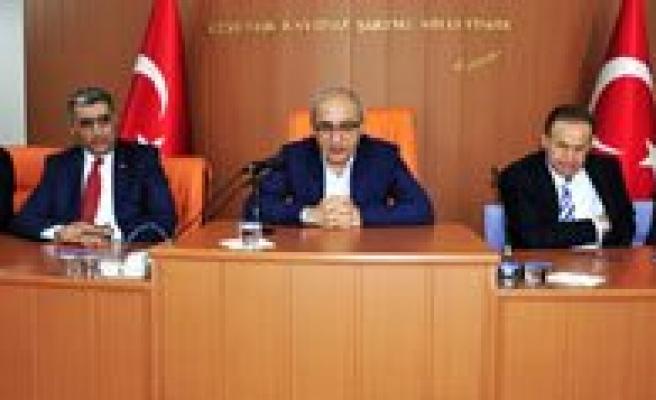 """Bakan Elvan: """"Gönlümüz, Aklimiz, Ruhumuz Daima Karaman'da Olacaktir"""""""