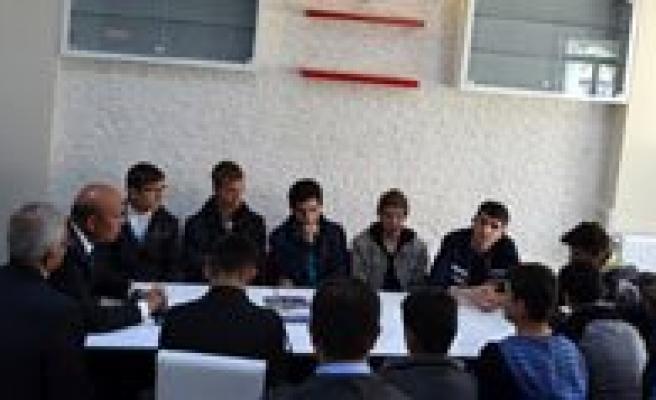 Izciler Çanakkale'ye Ugurlandi