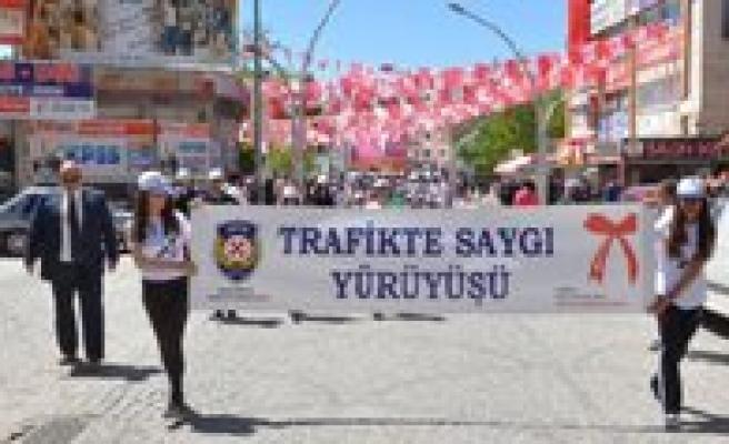 Trafikte Saygi Yürüyüsü Yapildi