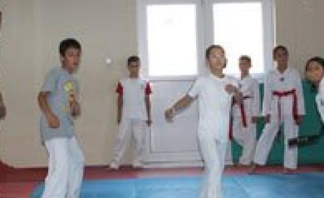 Sampiyon Tekmeler Karaman'da Yetisiyor
