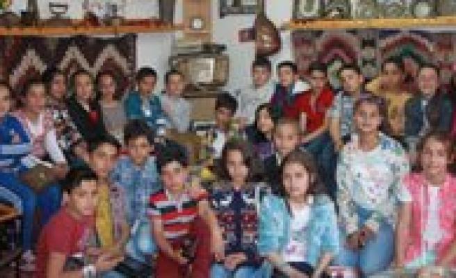 Bekir Sitki Erdogan Ortaokulu Ögrencilerinden Kgrt'ye Ziyaret