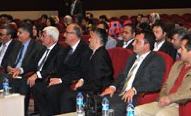 """""""Somut Olmayan Kültürel Miras Ve Türkiye'de Yapilan Çalismalar"""" Konulu Konferans Verildi"""