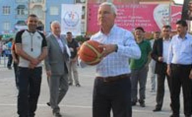 Karaman'da Sokak Basketbolu Heyecani Basladi