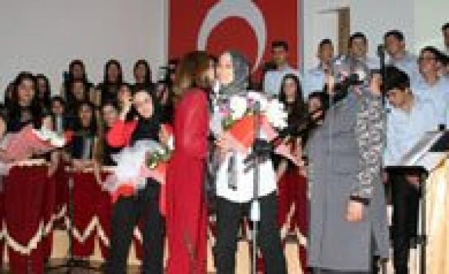 Harman Zamaninda Hüzzamdan Garib'e Türk Müziginin Tüm Renkleri Dinleyiciyle Bulustu